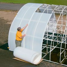 Have you heard of aquaponics? Aquaponics Combines the Growing of Fish and Plants You may grow plants in water and without soil and once one does this together with growing fish you are practicing aquaponics. Greenhouse Panels, Greenhouse Cover, Greenhouse Gardening, Hydroponic Gardening, Hydroponics, Organic Gardening, Gardening Tips, Aquaponics Diy, Greenhouse Film