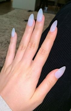 With new nail trends popping up every day, it can be hard to keep up. Luckily, the latest trend in nails isn't a color or type of manicure – it's actually a shape! For lots of women, the shape of their nails is sacred. Acrylic Nails Stiletto, Clear Acrylic Nails, Almond Acrylic Nails, Summer Acrylic Nails, Almomd Nails, Claw Nails, Spring Nails, Manicures, Almond Nails French