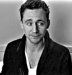 Tom Hiddleston GIF