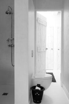 tiny bathroom #white #modern #interior