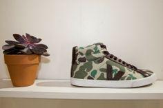 Baskets en toile de coton bio par Veja #baskets #shoes #chaussures #camouflage #veja #menswear #fashion #commeuncamion