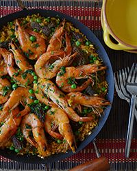 Simple Spring Paella #recipe with shrimp, peas and morels.