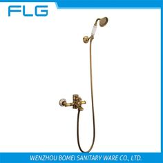 89.99$  Watch here - http://alitem.worldwells.pw/go.php?t=32651691583 - Free Shipping HS003 Wall Mounted Antique Brass Wall Mounted Shower Faucet With Ceramic Shower Head, Antique Brass Shower Set