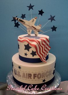 Groom's Cake Idea for the Military Man — Cheryl Barker | Mother of the Bride Blog | Creative Commons Flickr photo by Graceful Cake Creations