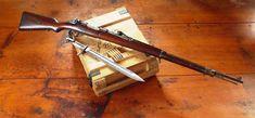 Mauser M98  (http://upload.wikimedia.org/wikipedia/commons/2/2b/Mauser_m98.jpg)
