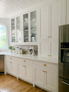 Kitchen Cabinets Fronts, Kitchen Cabinets To Ceiling, Shaker Style Kitchen Cabinets, Shaker Style Kitchens, Kitchen Cabinet Styles, Custom Kitchen Cabinets, Home Kitchens, Inset Cabinets, Gray Cabinets