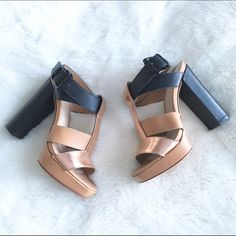 Elizabeth and James platform sandals The perfect summer sandals! These nude, black and bronze sandals are super comfy and go with anything! Worn a few times and in perfect condition! Elizabeth and James Shoes