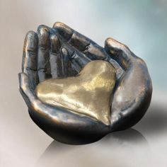 God holds us in the palms of His hands.love this sculpture. Hold My Heart, I Love Heart, Your Heart, Hand Sculpture, Sculptures Céramiques, Heart In Nature, Heart Art, Queen Of Hearts, Art Plastique