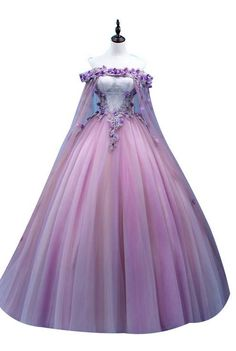 2018 Long Sleeve Gold Prom Dresses,Long Evening Dresses,Prom Dresses On Sale Want a glamorous red carpet look for a fraction of the price? Gold Prom Dresses, Prom Dresses For Sale, Quinceanera Dresses, Ball Dresses, Formal Dresses, Evening Dresses, Winter Dresses, Dresses Dresses, Elegant Dresses