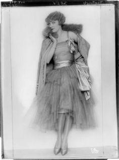 Marlene Dietrich by Atelier d'Ora-Benda, 06.12.1927