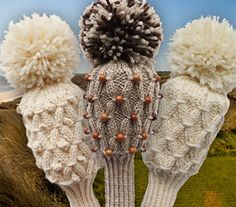 A simple, easy to knit golf club cover reminiscent of Scottish wool golf head covers of old!