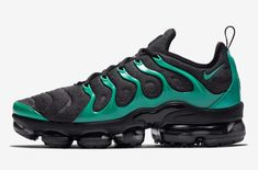 online retailer 5dc31 f5f4a Peep This New Black And Green Nike Air Vapormax Plus
