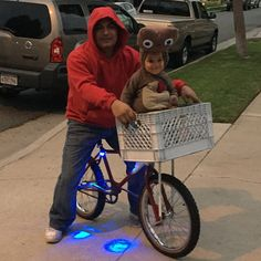 E.T. themed Halloween Costume with DIY E.T. child's costume. #bmx #ET #elliott #phonehome #homemade (instausc's photo on Instagram)