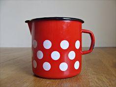 Vintage Emaille Topf // vintage emaille pot by Anbahner via DaWanda.com