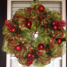 mesh christmas wreaths | Christmas deco mesh wreath | holidays