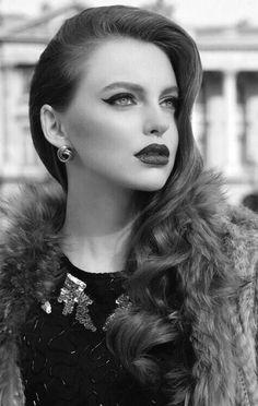 Dark lips 408912841140103812 - Timeless Makeup Trends – Fashion Diva Design Source by Eledhwenslair Makeup Trends, Makeup Ideas, Kiss Makeup, Face Makeup, Beauty Make Up, Hair Beauty, Fashion Diva Design, Winter Makeup, Dark Lips