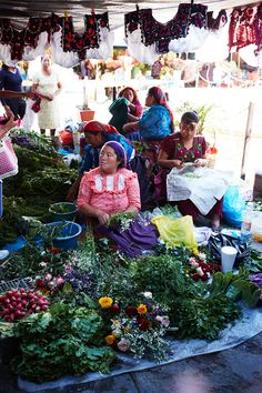 Flower sellers at the bustling tianguis, or Sunday market, in the nearby village of Tlacolula de Matamoros.