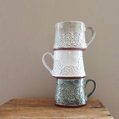 #mugshotmonday #handmade #studiopema #pottery #handmadepottery #madeinnorthcarolina #pottersofinstagram #mug #coffeemug #coffee #chai #tea #white #gray #blue #teacup #slabbuilt #handbuilt #shabbychic #rustic #doily #lacedoily #etsyseller #陶芸 #ものづくり #手作り #コーヒーカップ #ティーカップ #チャイ #ドイリー