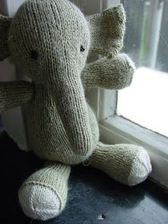 Knitted Stuffed Animals on Pinterest