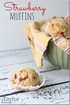 Strawberry Muffins - these look yummy!  Want to try!