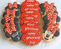 Made for a sweet little girl turning 2 Minnie Mouse Cookies, Disney Cookies, Mickey Mouse Cake, Mickey Y Minnie, No Bake Sugar Cookies, Iced Cookies, Cute Cookies, Minnie Mouse 1st Birthday, Minnie Mouse Party