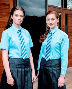 Secy Girls, Cute School Uniforms, School Girl Dress, Girl Outfits, Girls Dresses, Beautiful Women, Women's Fashion, Dolls, Shirts
