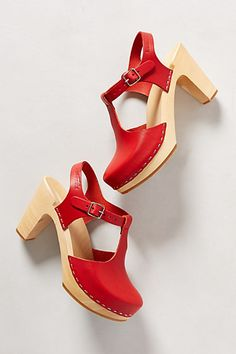 Sky High T-Strap Clogs #anthropologie #anthrofave