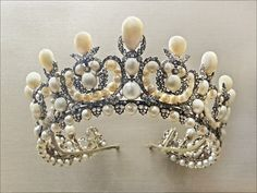 Pearl & diamond tiara designed by Gabriel Lemonnier (the crown jeweler) and commissioned by Napoleon III for his marriage to Eugenie de  Montijo
