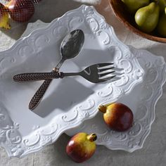 If you love throwing parties, then Kirkland's Global Market Herringbone Serving Set is exactly what you need. It comes with one serving spoon and one serving fork, perfect for tossing salad or serving pasta.