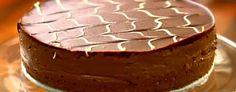 Desperate Housewife: Lorraine Pascale's Chocolate digestive cheesecake