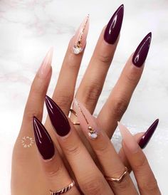 Two tone nails are very popular nowadays. You must have seen many models and celebrities show off beautiful manicured nails with the coolest two tone nail designs on them. As the name suggests, two tone nails art means that the wearer uses two differ Pointy Nails, Stiletto Nail Art, Cute Acrylic Nails, Cute Nails, Stiletto Nail Designs, Coffin Nails, Fabulous Nails, Gorgeous Nails, Hair And Nails