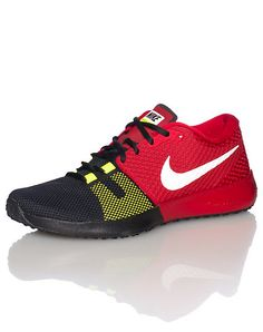 NIKE Low top sneaker Breathable mesh toe box Lace up closure NIKE swoosh on sides Padded tongue with... True to size. Mesh and synthetic materials. Red 684621610.