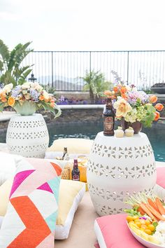 Tips for Planning the Perfect Pool Party / Outdoor Entertaining / Summer Entertaining / Pool Party / Fun Party Ideas / Cocktail Recipes / Appetizers