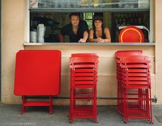 BISTRO FOLDING TABLE - Cafe Culture + Insitu