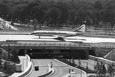 """Flughafen Berlin-Tegel / """"Faszination Flughafen"""" von Stefan Eiselin, Laura Frommberg und Alexander Gutzmer"""