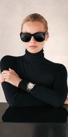 Ralph Lauren with style Style Noir, Mode Style, Style Me, Super Moda, Valentina Zelyaeva, Foto Fashion, Winter Stil, Ralph Lauren Style, Black Turtleneck