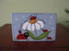 Ladybug block, daisy, summer, home decor, shelf sitter Painted Bricks Crafts, Brick Crafts, Painted Pavers, Stone Crafts, Cement Pavers, Painted Rocks, Hand Painted, Concrete Edging, Brick Pavers