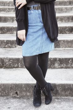 DENIM SKIRT IN FALL> On the blog!