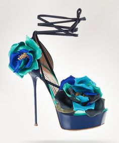 """After our """"Love hate relationship"""" conflict about Manolo Blanik flats, here is something most of you will appreciate a little bit more.Gianmarco Lorenzi design this shoe and it's from his new collection for spring/summer 2011."""