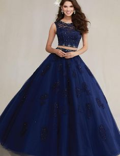 Dress Pretty quinceanera dresses, 15 dresses, and vestidos de quinceanera. We have turquoise quinceanera dresses, pink 15 dresses, and custom quince dresses! Lace Ball Gowns, Ball Gowns Prom, Ball Dresses, Prom Dresses, Dresses 2016, Party Gowns, Party Dress, Sweet 16 Dresses Blue, Blue Evening Dresses