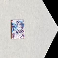 Slim card holder made by artists. DeviantCraft card holders are strong, slim and stylsh, great gift ideas for those who want to stand out from the crowd. Gift Ideas for him and her. Hand made small wallet with abstract artwork. Hotel Key Cards, Smart Materials, Abstract Watercolor Art, Origami Bird, Bird Artwork, Small Wallet, How To Make Paper, Cool Cards, Card Holders
