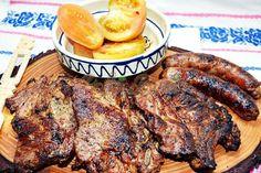 Ceafa de porc marinata, la gratar   Pofta Buna! Barbecue Grill, Grilling, Romanian Food, Romanian Recipes, Backyard Bbq, Yams, Food And Drink, Meat, Instant Pot