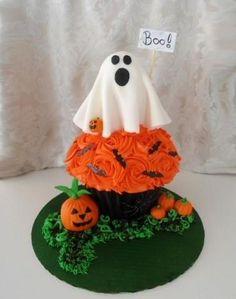 Halloween Giant Cupcake - Cake by Sugar Me Cupcakes