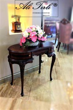 "Size özel tasarımlar... | Ali Tırlı İnteriors Furniture ""New Collection... #alitirli #qatar #dresuar #architecture #home #mimar #burjkhalifa #livingroomdecor #sandalye #chair #textiles #vakko #evtekstili #epengle #homeinterior #interiors #classic #furniture #evdekorasyonu #clarkeandclarke #mobilya #perde #lifestyleblogger #holiday #decorative #art #luxury #interiorsdesign"
