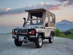 Special Land Rover Defender Game Viewer for Kenya Safari Park by Motorsportloralamia    www.motorsportloralamia.com