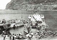 """1987, Fajã Grande, Ilha das Flores     LDG 202 """"Alabarda"""" em serviço na Fajã Grande."""