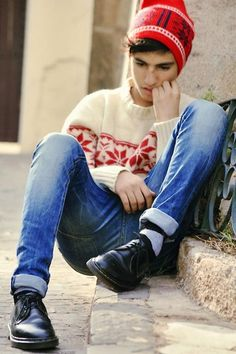 Life is too short, to waste time hating anyone. (by Ayoub Mani) http://lookbook.nu/look/3576963-Life-is-too-short-to-waste-time-hating-anyone