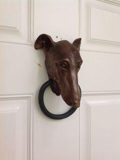 Doorknocker levriero