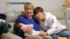 U-KISS' Soohyun And Jun Transform Into Watchful Babysitters For Eli's Son   Soompi