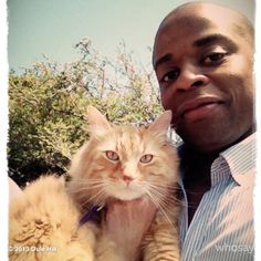 Dulé Hill and Mrs. Shawn And Gus, Shawn Spencer, Psych Quotes, I Cant Do This, Boy Cat, Great Tv Shows, Cat People, Nerd Geek, Music Tv
